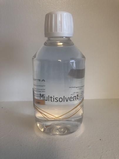 Multisolvent opløsningsmiddel til at fjerne lim og taperester med