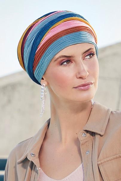 Luna Rainbow hovedbeklædning til kræftramte fra Viva the headwear company