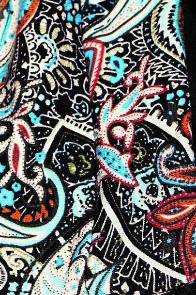 Madrid long 533 color sample Gisela Mayer