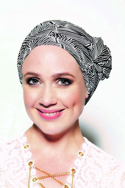 Nala Imprimee sort hvid fra Gisela Mayer Headwear