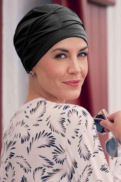 BB. Becca turban black fra the headwear company